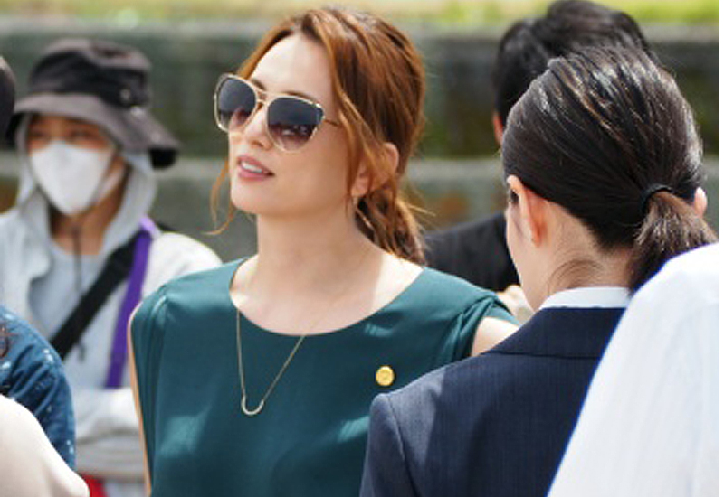 疑惑」米倉涼子の衣装が素敵すぎる!オールインワンのブランドは?